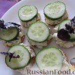Канапе с салатом, на крекере