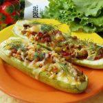 Кабачки, фаршированные грибами и овощами