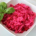 Салат с капустой, зеленью и свеклой — рецепт с фото / Простые рецепты